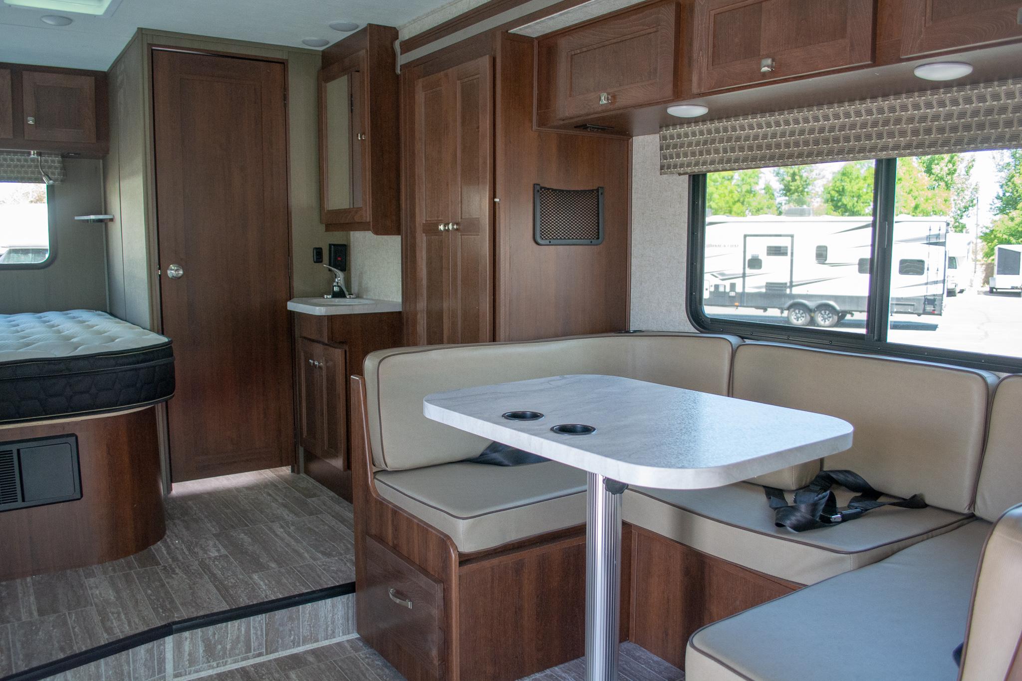 Sunseeker 2290s 24 Motorhome Utah Rv Rentals